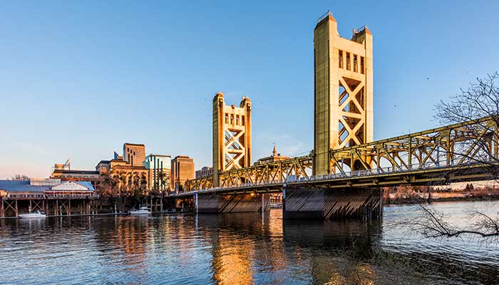 Old-Sacramento-Bridge