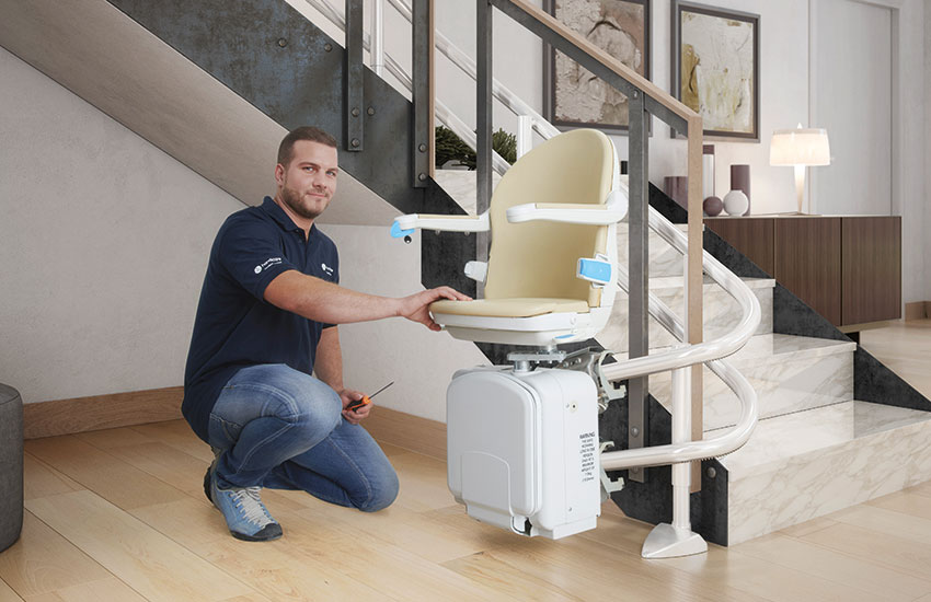 Curved stairlift - Handicare 2000 HR installation