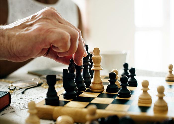 senior-citizen-chess