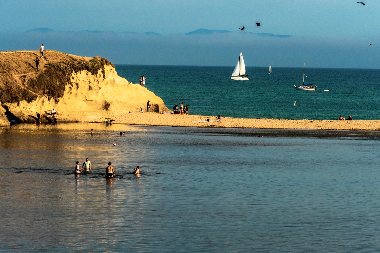 By specchio.nero - Seaside, Santa Cruz, CC BY-SA 2.0, https://commons.wikimedia.org/w/index.php?curid=46346037